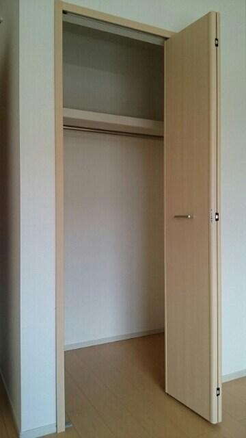 メゾン・グラート 02060号室の居室