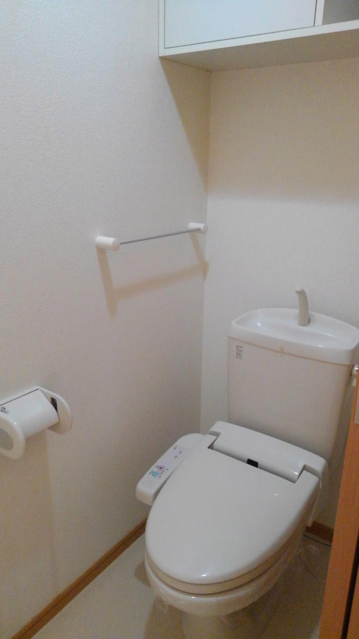 シェーロ・ステラートA 01030号室のトイレ