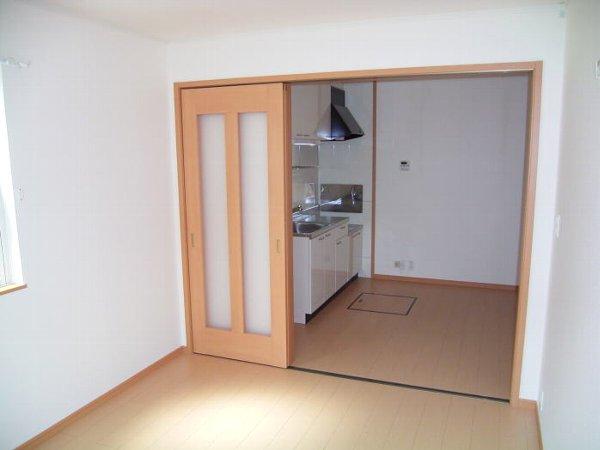 アンヴィラージュ C 01030号室のリビング