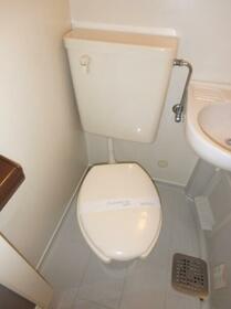 レ・パレス砂川七番 0202号室のトイレ