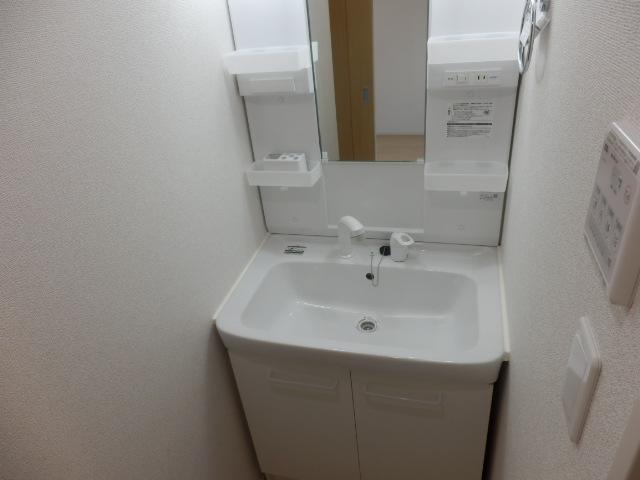 アビタシオン瑞穂 02020号室の洗面所