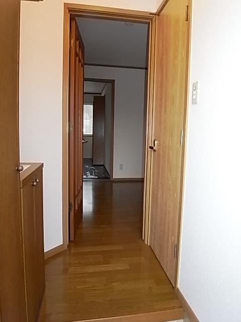 クレストール一ノ坪2番館 01010号室の玄関