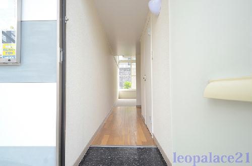 レオパレス城南Ⅱ 103号室の玄関