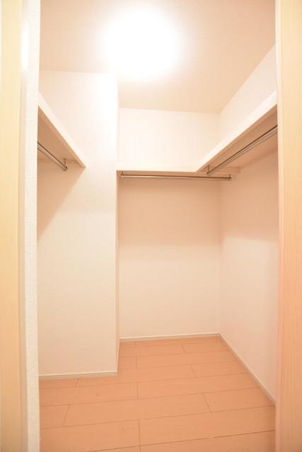 ヒマソール 01010号室の収納