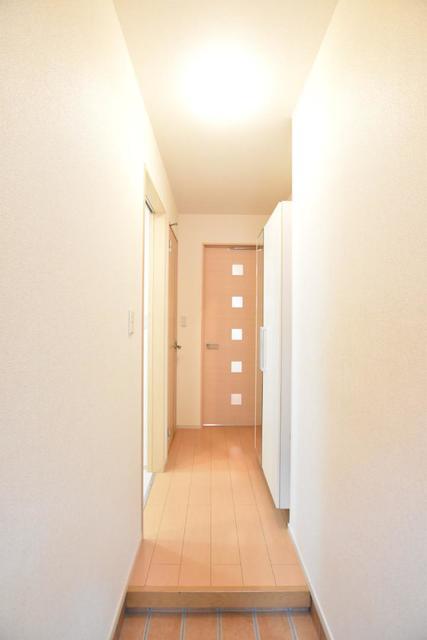 ヒマソール 01010号室の玄関