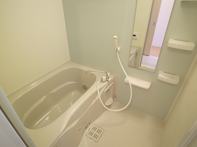 キャトルサンク 01020号室の風呂
