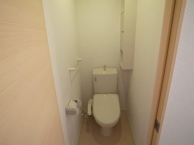 キャトルサンク 01020号室のトイレ