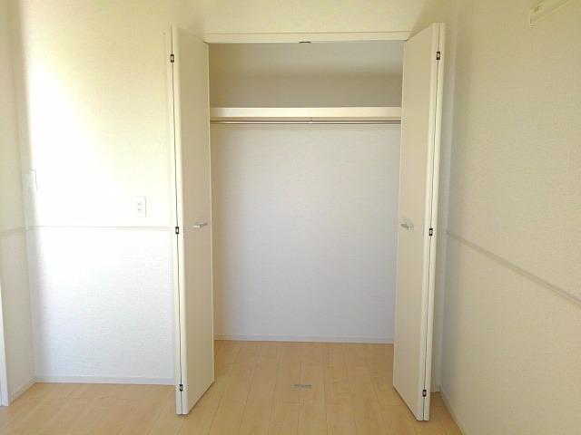 エクセレント・ヴィラ今泉B 02020号室の収納