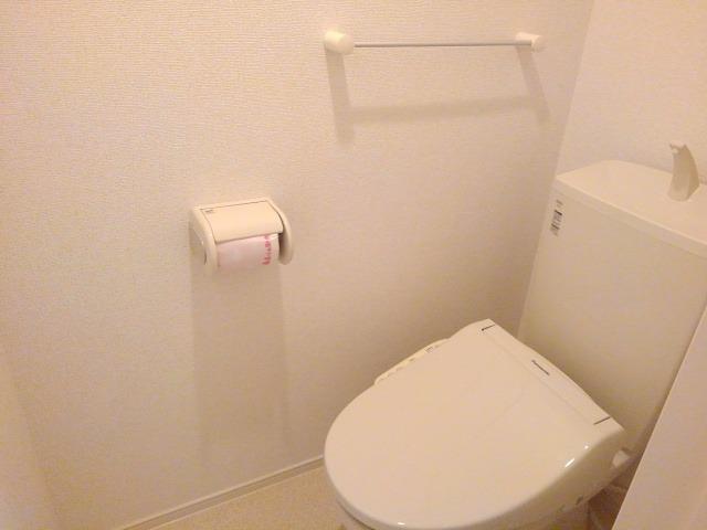 エクセレント・ヴィラ今泉B 02020号室のトイレ