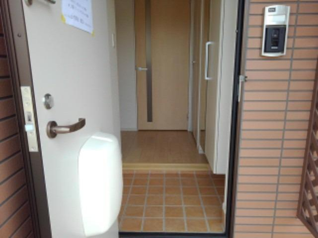 ベル シャトー 01010号室の玄関