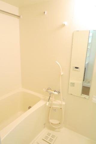 クレストール絆 302号室の風呂