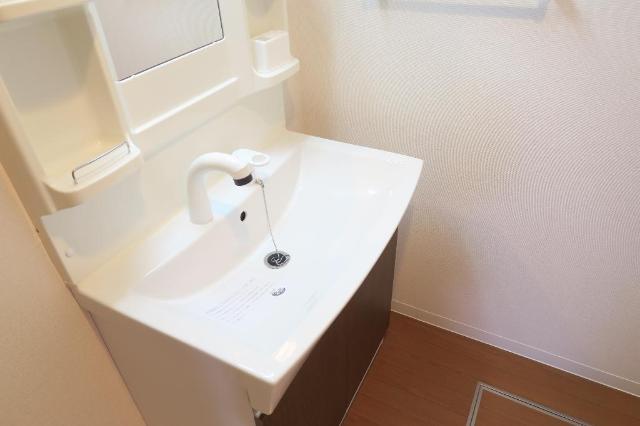 クレストール絆 302号室の洗面所