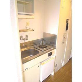 ロマネスク大橋レディース 303号室のキッチン
