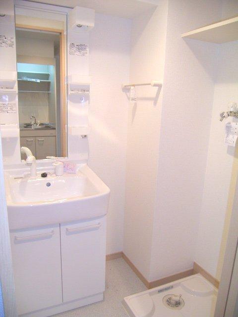 春日サンコービル 02010号室の洗面所