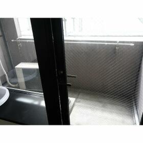 ポルグラシア大手門 702号室の玄関