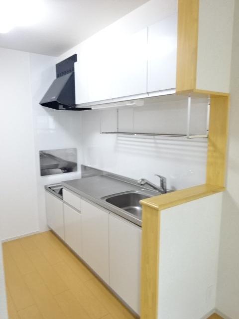 プリムヴェール 02020号室のキッチン