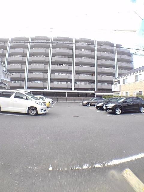 リバー・イースト・飯倉C 01020号室の駐車場