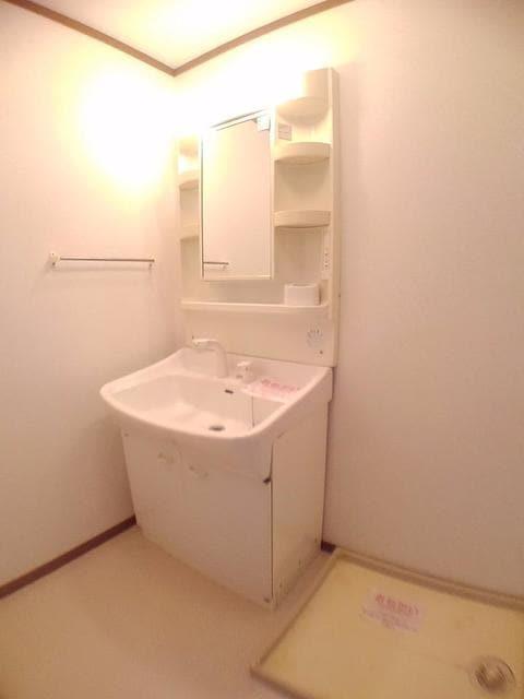 リバー・イースト・飯倉C 01020号室の洗面所