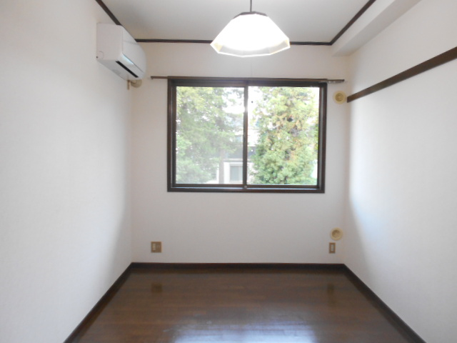 メゾンセントピア 105号室のベッドルーム