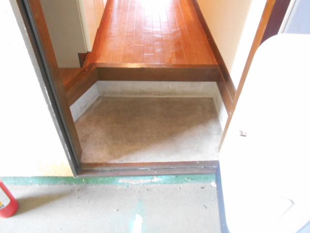 メゾンセントピア 105号室の玄関