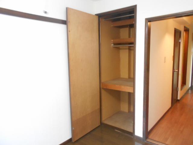 メゾンセントピア 105号室の収納