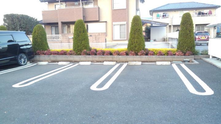 プライム パレス 02040号室の駐車場