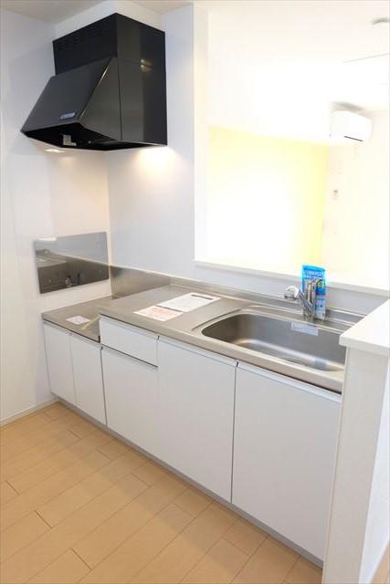 エミネンスE 02010号室のキッチン