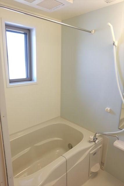 エミネンスE 02010号室の風呂