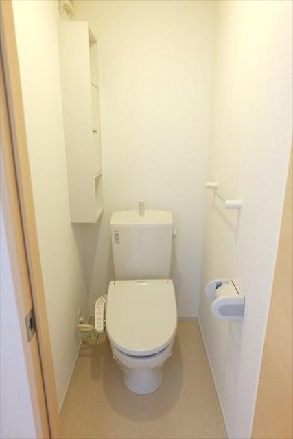 エミネンスE 02010号室のトイレ