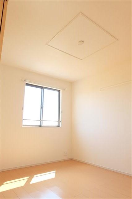 エミネンスE 02010号室のベッドルーム
