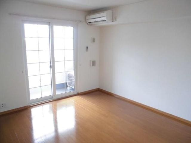 フィオーレ・アロッジオⅡ 01030号室のリビング