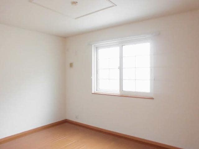 フィオーレ・アロッジオⅡ 01030号室の居室