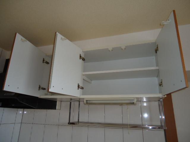 ユア・ハウス 00102号室のキッチン