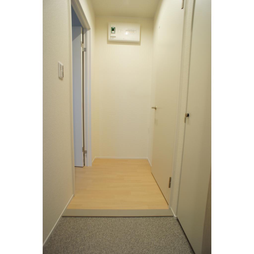 ビューノ八重洲通り 301号室のリビング