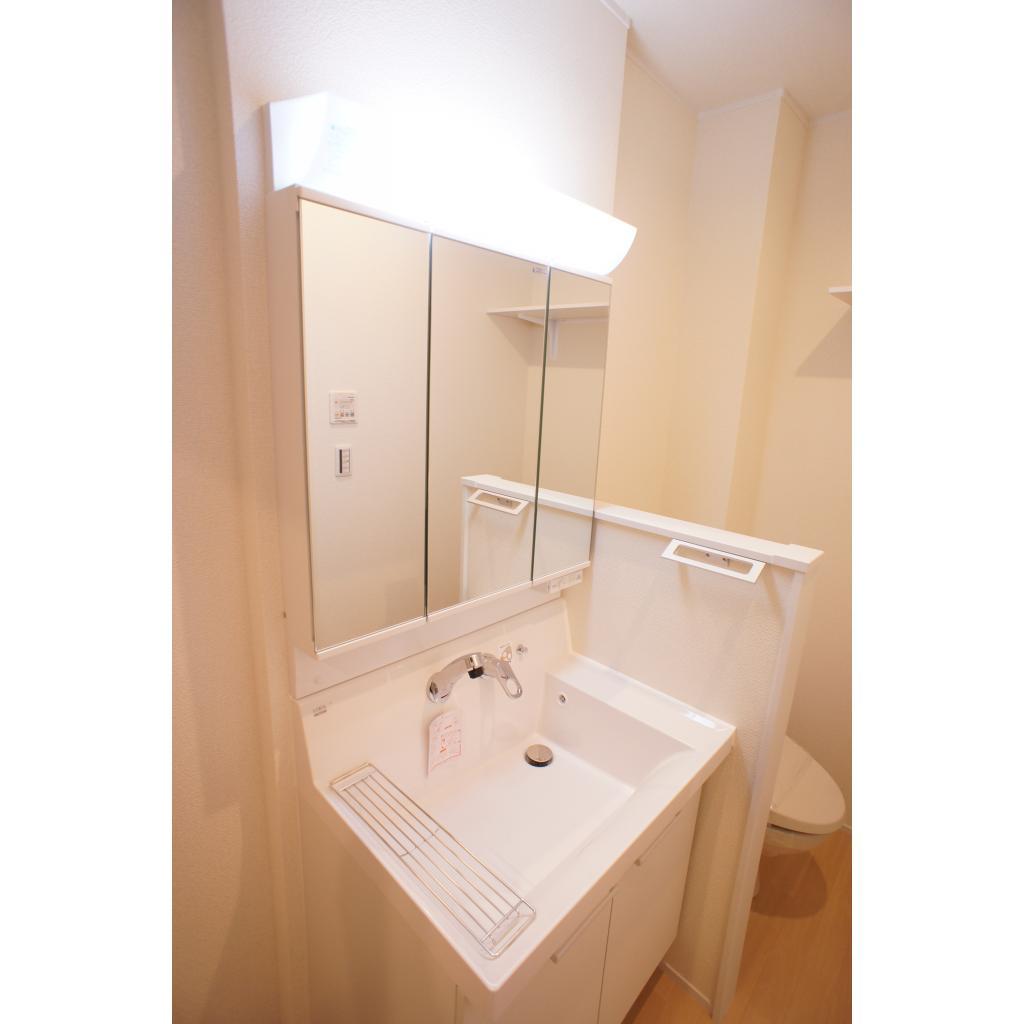 ビューノ八重洲通り 301号室のキッチン