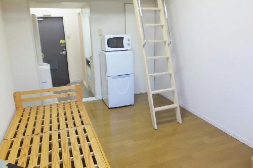 レオパレス千亀利 207号室のリビング