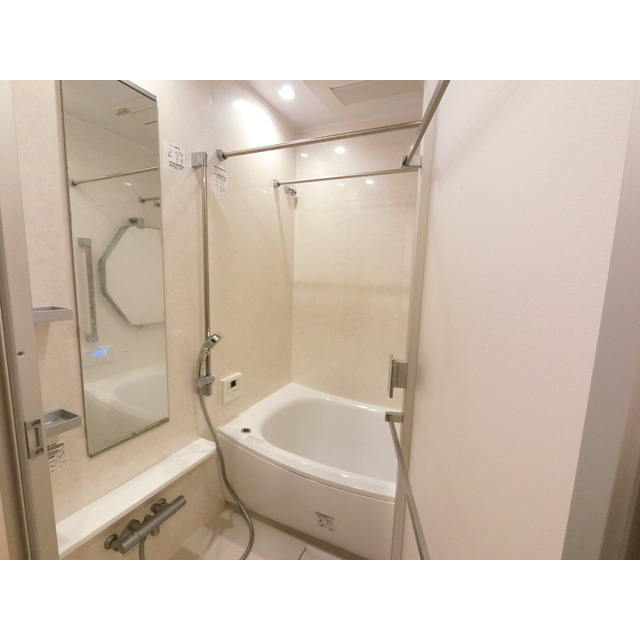 ザ・マジェスティコート目黒 609号室の風呂
