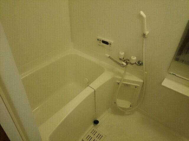 ア・ラ・モードパレス 02030号室の風呂