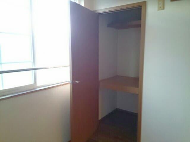 ア・ラ・モードパレス 02030号室の収納