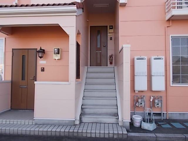 ア・ラ・モードパレス 02030号室の玄関