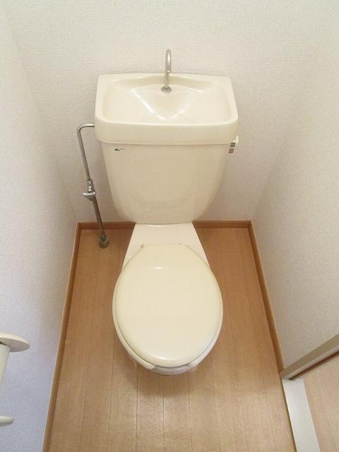 エルディムソウノダイ 02010号室のトイレ