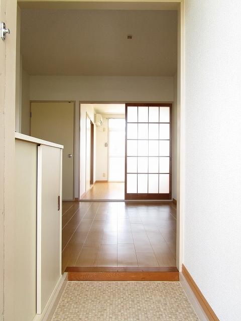 エルディムソウノダイ 02010号室の玄関