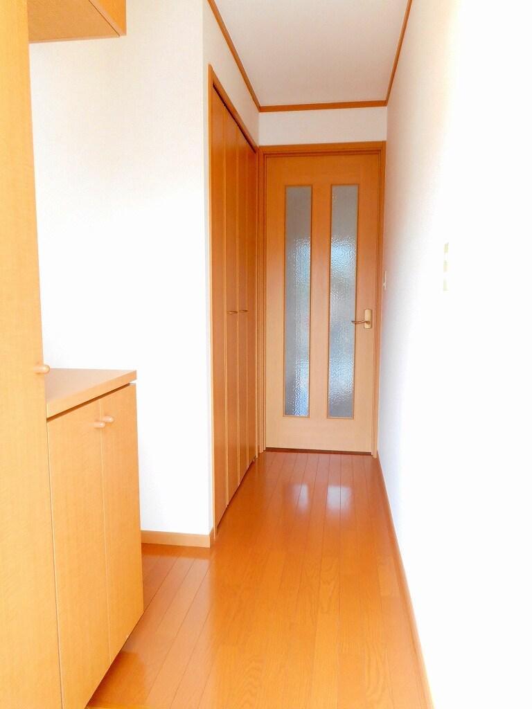 シャローム Ⅱ 01020号室の玄関