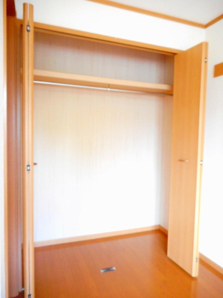 シャローム Ⅱ 01020号室の収納