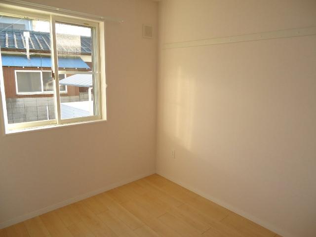 ネオ・エレガンス 102号室の居室
