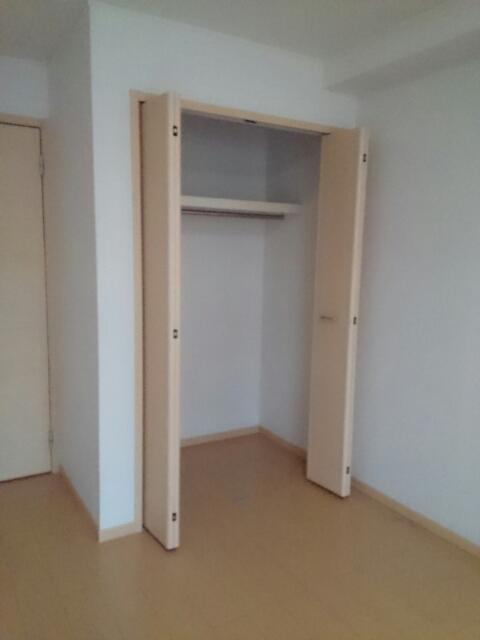 プロヴァンス ブリーズⅡ 02010号室の収納