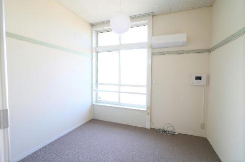 レオパレスROYALCOURT 107号室のリビング