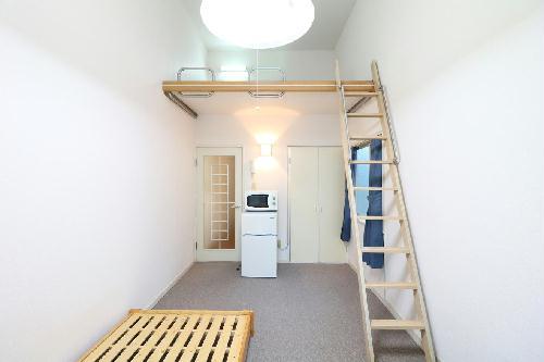 レオパレス久世 105号室のリビング