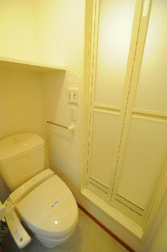 レオパレスK 202号室のトイレ