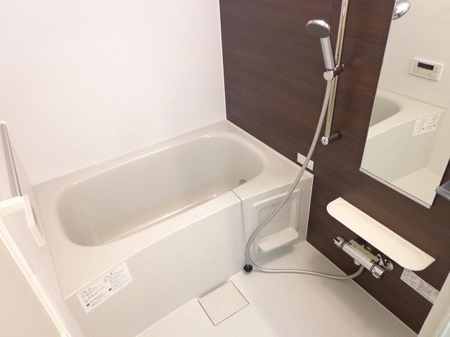 メゾン・三ツ星 02050号室の風呂